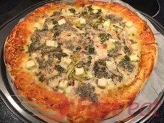 Asse em 200ºC (400ºF) até que o queijo derreta e a crosta esteja dourada, cerca de 15-20 minutos.